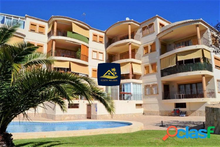 Renovado Apartamento a 150 mt de la Playa en Javea ·