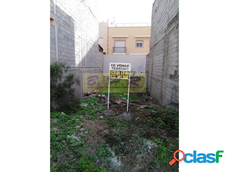 SE VENDE TERRENO EN PARQUE DE LA REINA 140M²