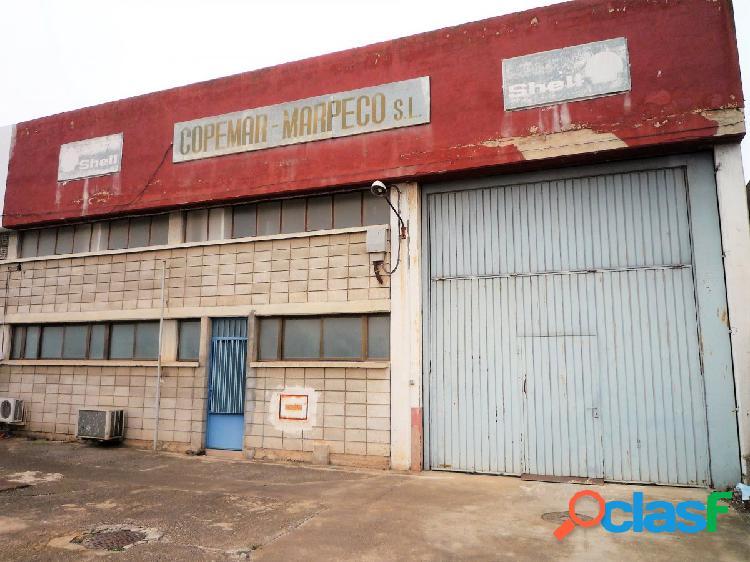 Se vende Nave industrial de 640 m2 + Campa vallada de 150 m2
