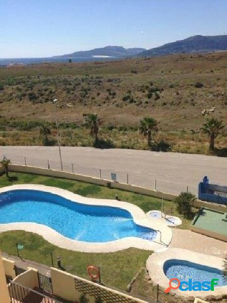Se vende apartamento con piscina