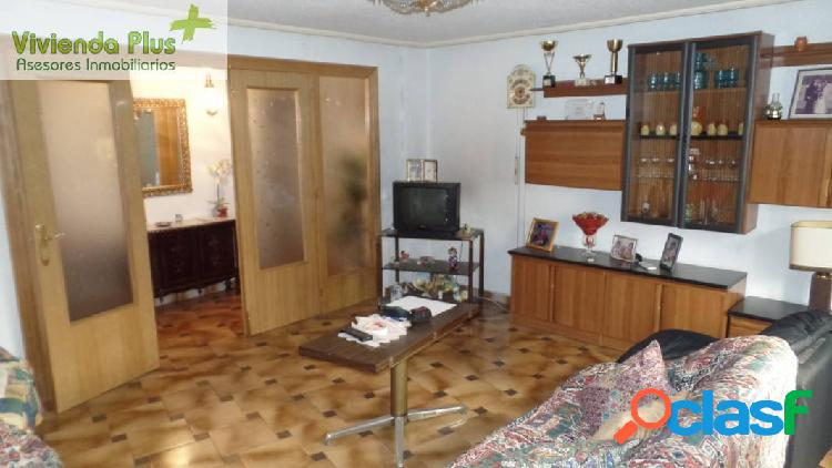 Se vende bonito piso en zona Obispo Siuri.