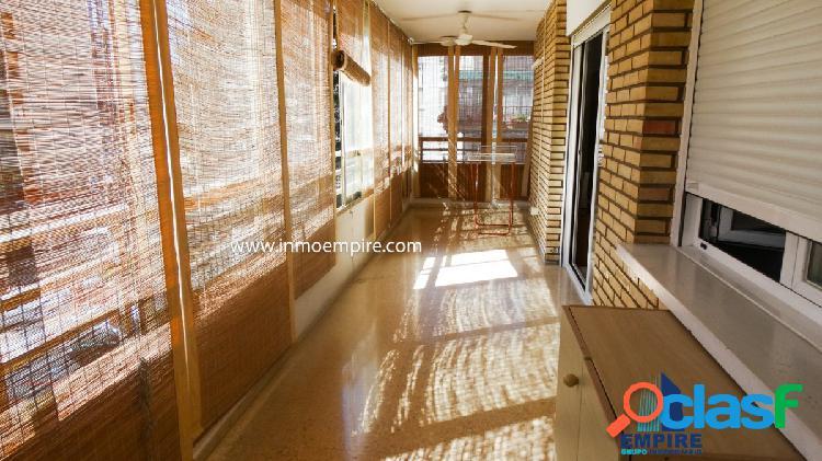 Se vende piso en la Zona de Levante