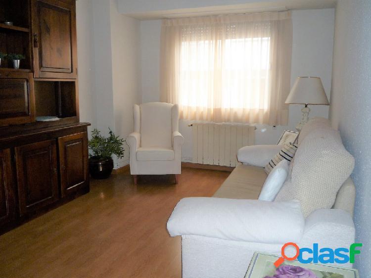 Se vende piso reformado de 4 dormitorios en Torrero