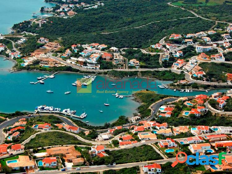 Solar en una zona privilegiada de Cala Llonga, Menorca.