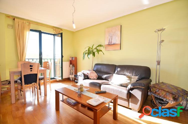 Urbis te ofrece un bonito apartamento amueblado en Ciudad