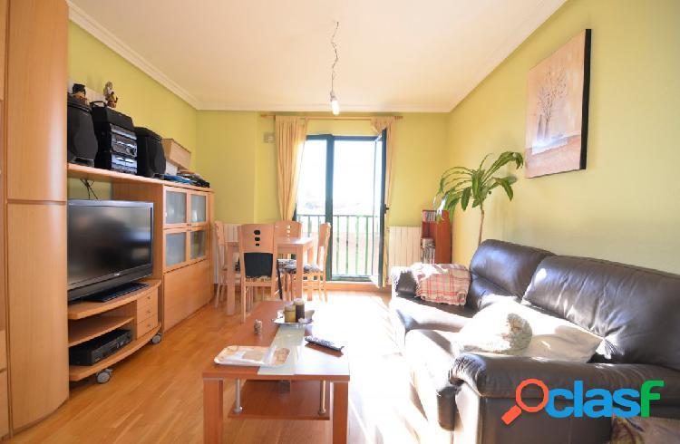 Urbis te ofrece un bonito apartamento en Ciudad Jardín,