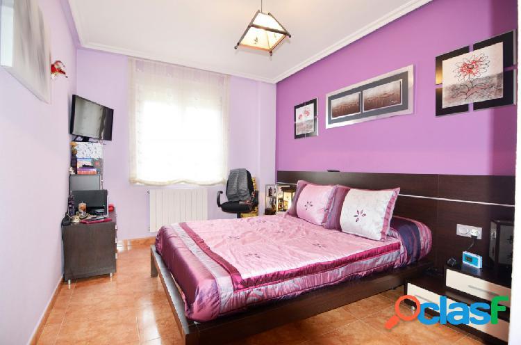 Urbis te ofrece un piso con garaje en pleno centro de