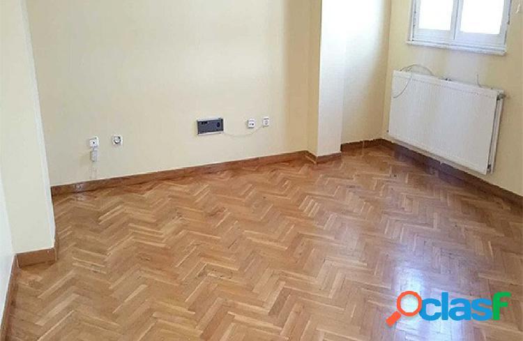 Urbis te ofrece un piso en venta en Alba de Tormes.