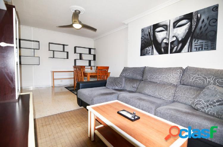 Urbis te ofrece un precioso piso recién reformado con plaza