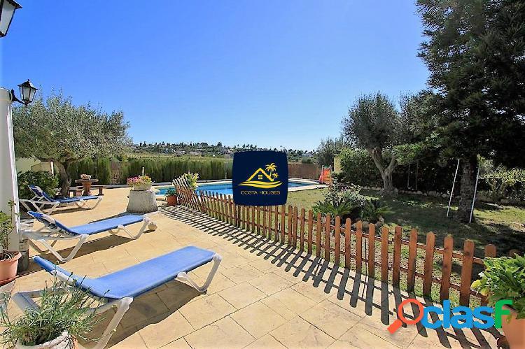 Villa Mediterránea en JAVEA con Parcela Llana al SUR ·