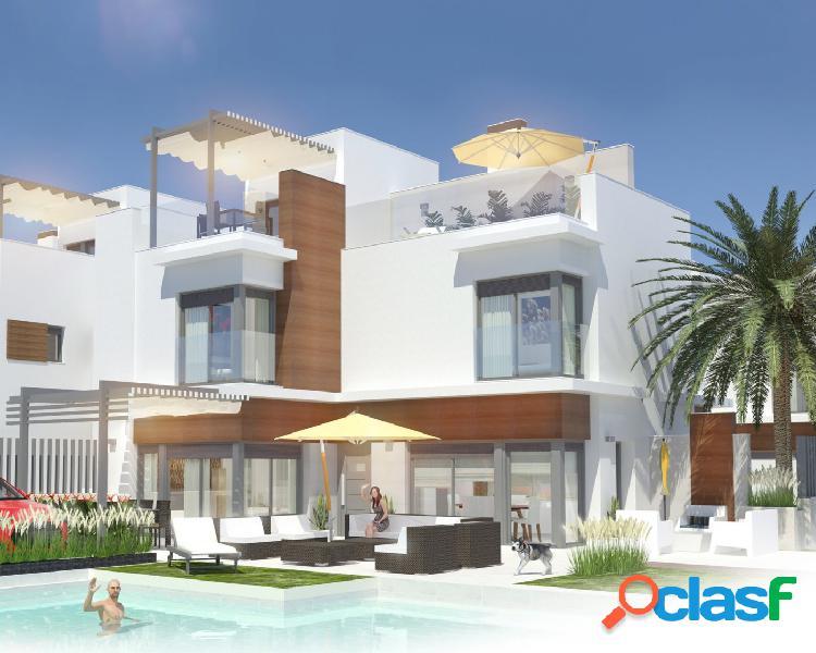 Villas semi-adosadas con piscina privada en Santiago de la