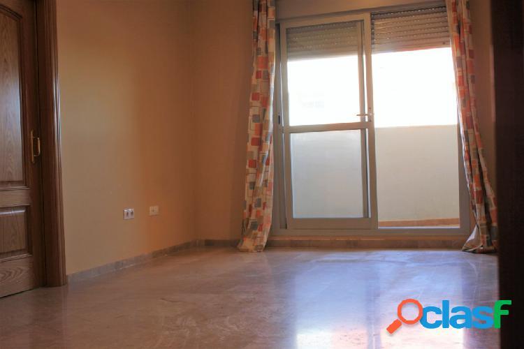 Fabuloso piso sin amueblar de dos habitaciones y un baño
