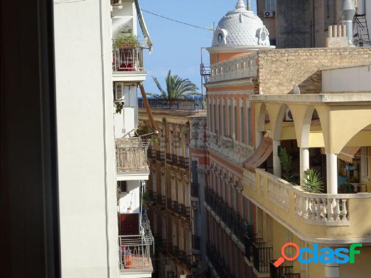 Piso para alquiler en el Centro de Alicante junto a la