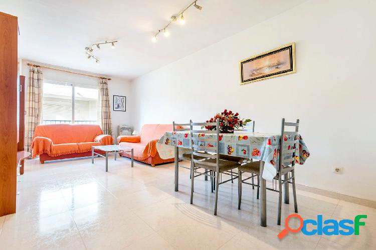 Se vende piso amueblado en 1ª planta de 2 habitaciones en