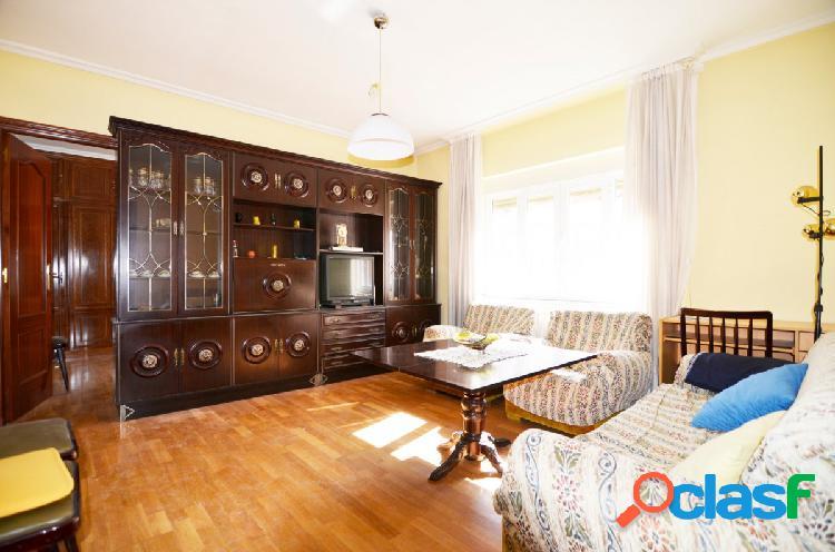 Urbis te ofrece un estupendo piso de 4 habitaciones en