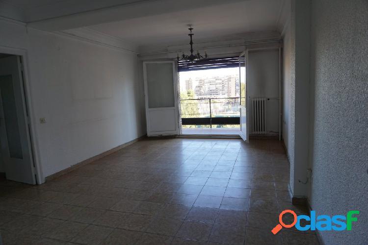Venta de piso en Avenida Tenor Fleta - Zaragoza