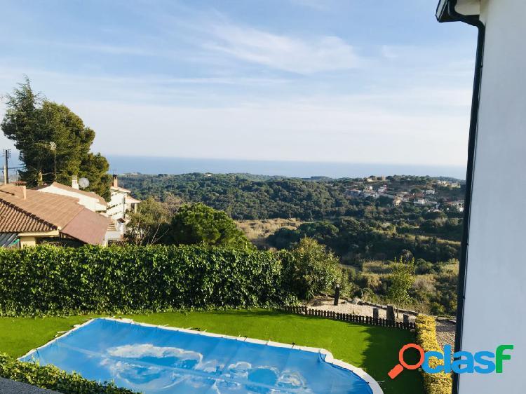 Gran villa con impresionante vistas al mar con piscina cerca