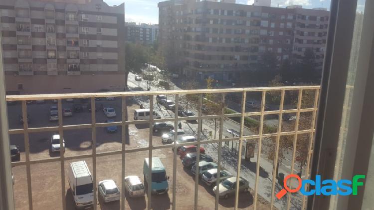 Piso en Venta en Valencia Valencia Ref: 596367