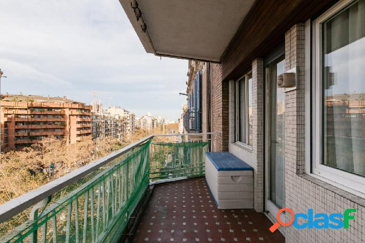 Alto y luminoso piso en venta en la Dreta de L'Eixample