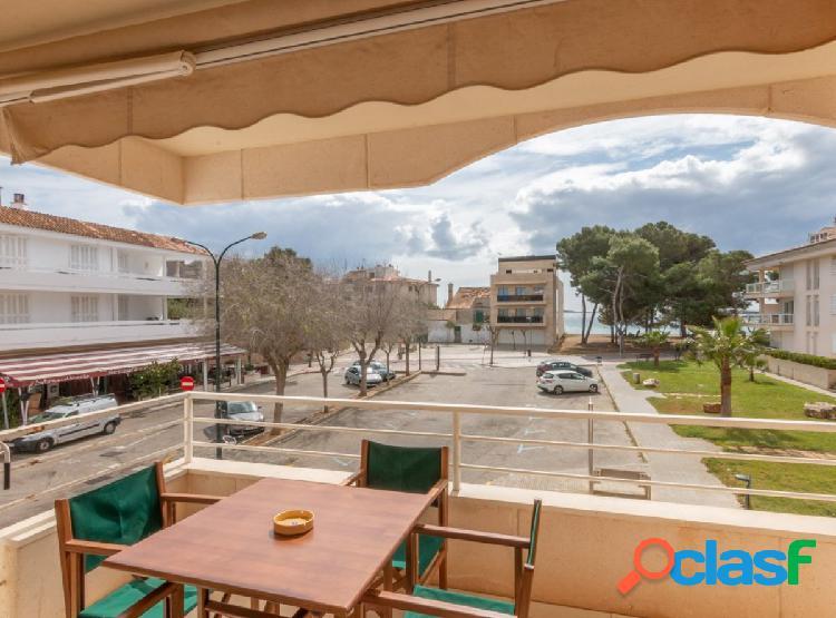 Apartamento con vistas a la zona puerto.