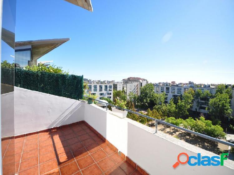 Atico/ Duplex con terraza privada y parking en la misma