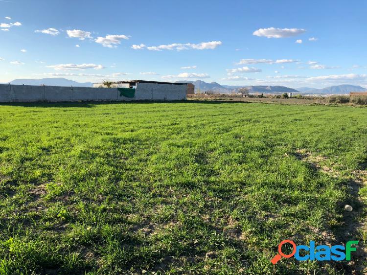 Bonito terreno de 800 metros en Churriana de la Vega