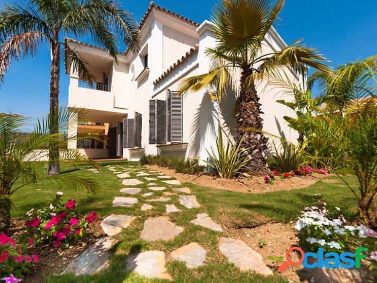 Casa adosada en venta en Guadalmina Baja