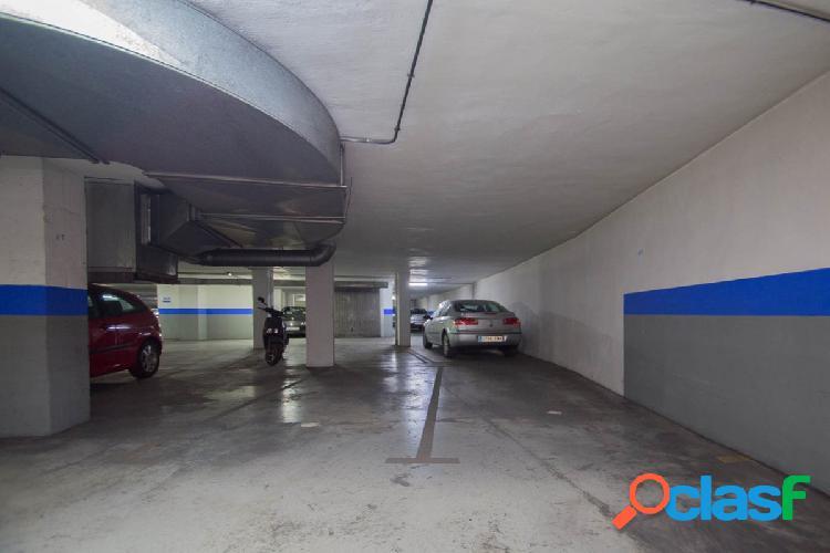 Dos plazas de garaje¡¡Deja de dar vueltas por el centro