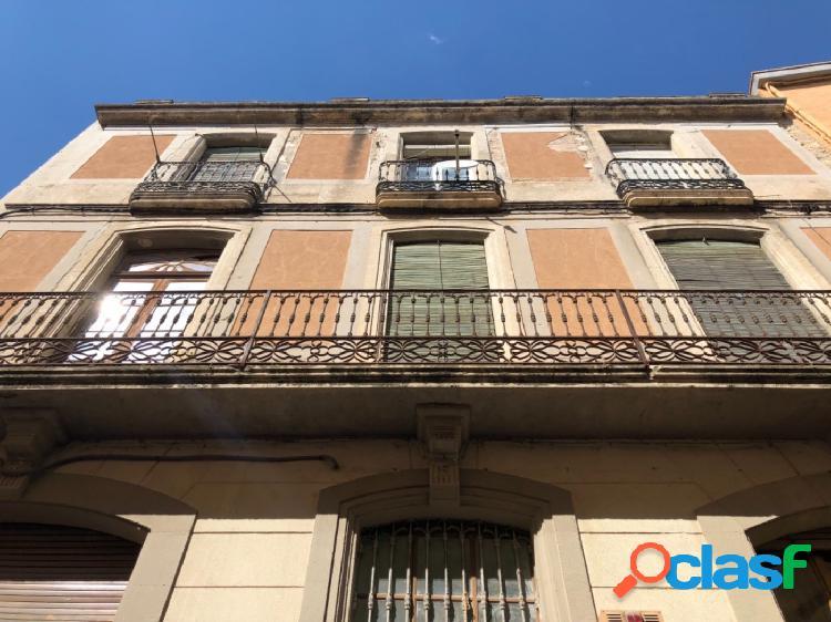 Edificio en venta en L'arboç. Calle mayor peatonal. Ideal