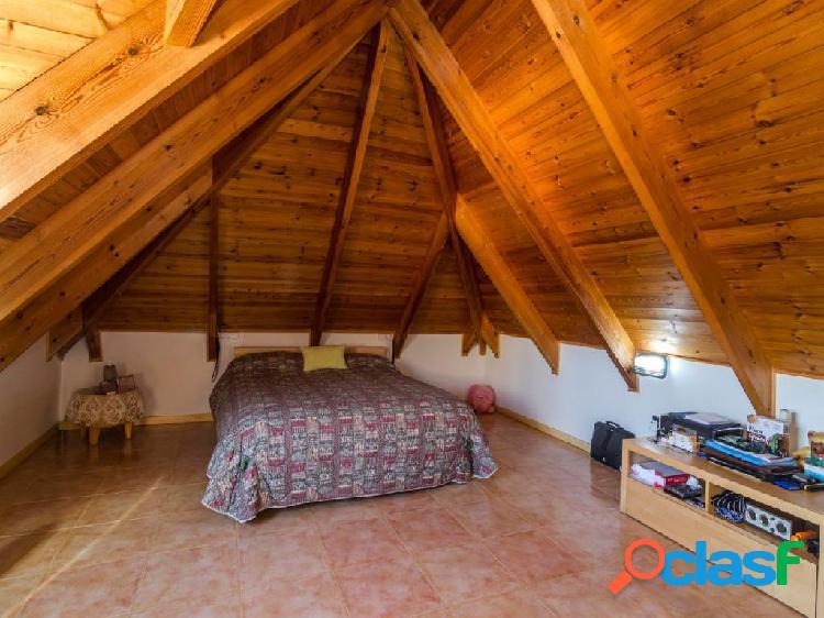 Magnifico Chalet en venta en Olivella, con seis dormitorios