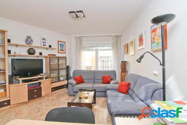 Piso en Fuengirola centro de 2 dormitorios y plaza de