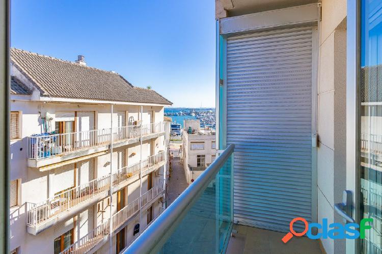 Venta piso ático con terraza y vistas al mar en Puerto de