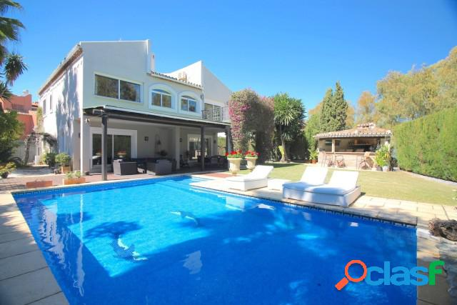 Casa-Chalet en Venta en Guadalmina Baja Málaga