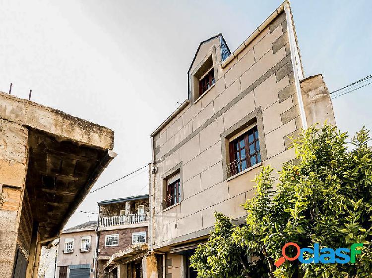 Casa en venta de 250 m² en Calle Compostela, 32340
