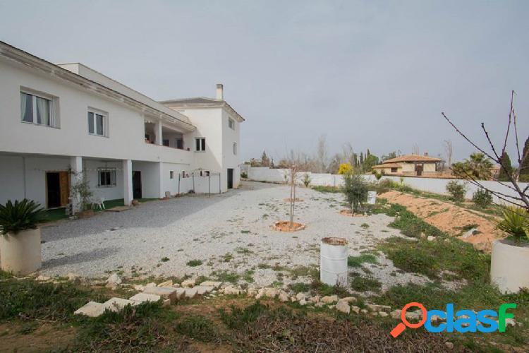 Chalet Independiente sobre una parcela de 1286,40 m2