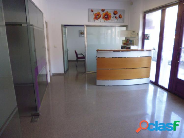 Local en planta baja para oficinas. Alzira