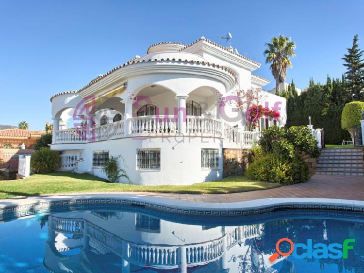 Magnífica Villa con vistas al mar y al golf