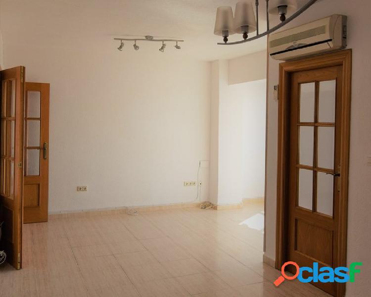Oportunidad de piso en venta en la mejor zona del Zaidín.