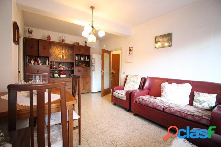 PIso en venta de 81m2 con 4 habitaciones en Sant Marti de