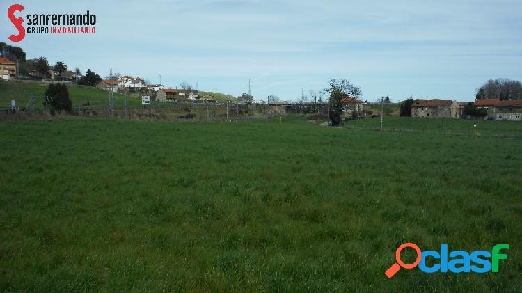Parcela de 12.800 m2 en Parbayón, 59.000 €