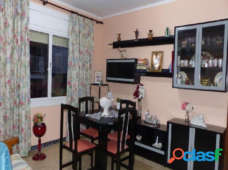 Piso de 3 Habitaciones a reformar en zona de Montigala.