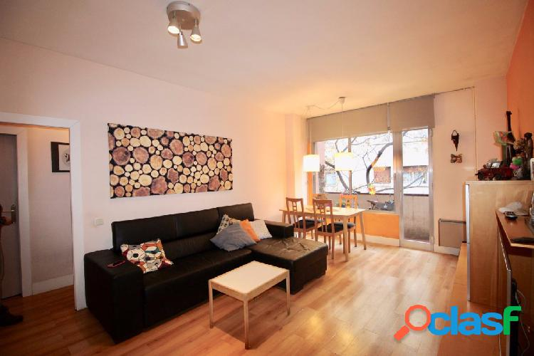 Piso en venta de 81m2 con 3 habitaciones, balcón y parking