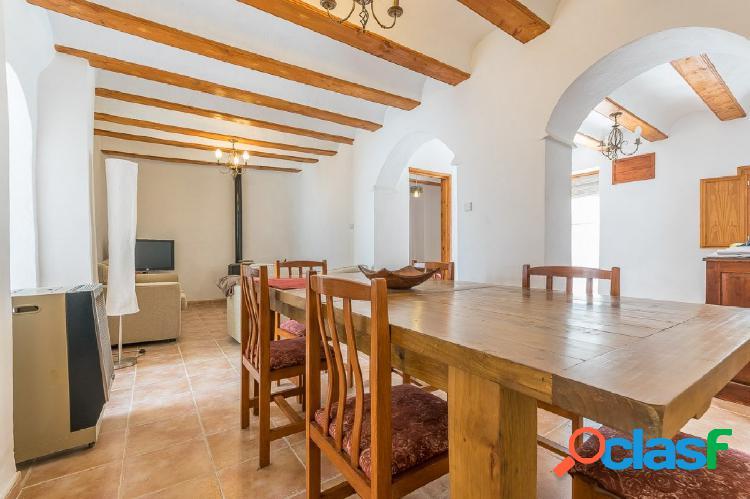 Ref. 03670 - Estupenda casa de pueblo reformada en Bugarra