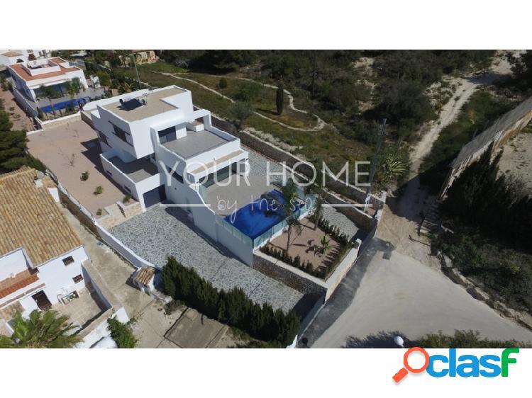 Villa de estilo moderno de nueva construcción