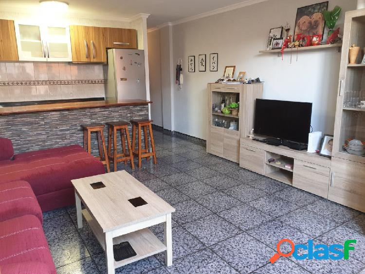 se vende piso de 2 habitaciones en Salinetas, Telde.