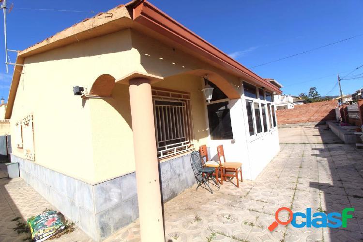 Casa TODA en Planta Baja y con Piscina