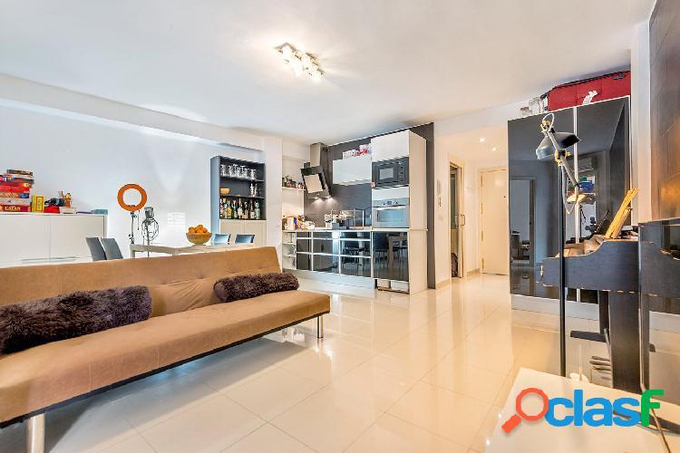 Fantástico apartamento en venta, en plaza Santa Eulalia,