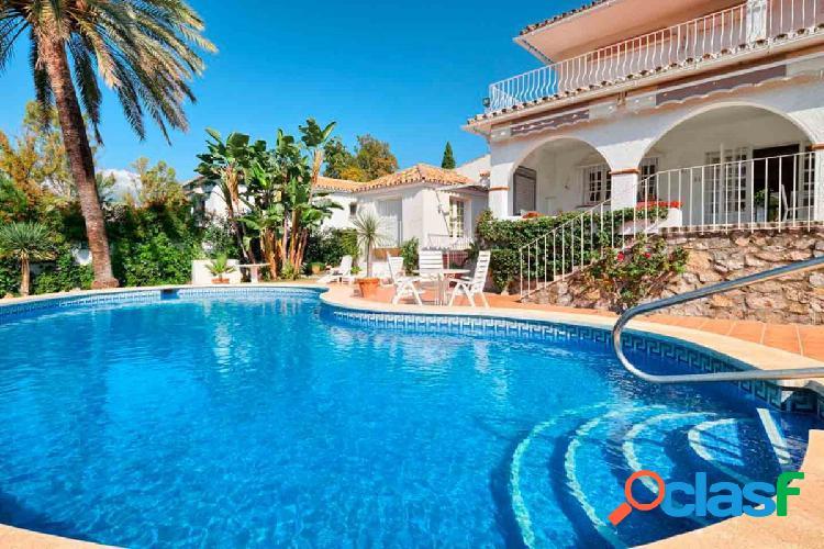 Villa con acceso directo al campo de golf en Guadalmina