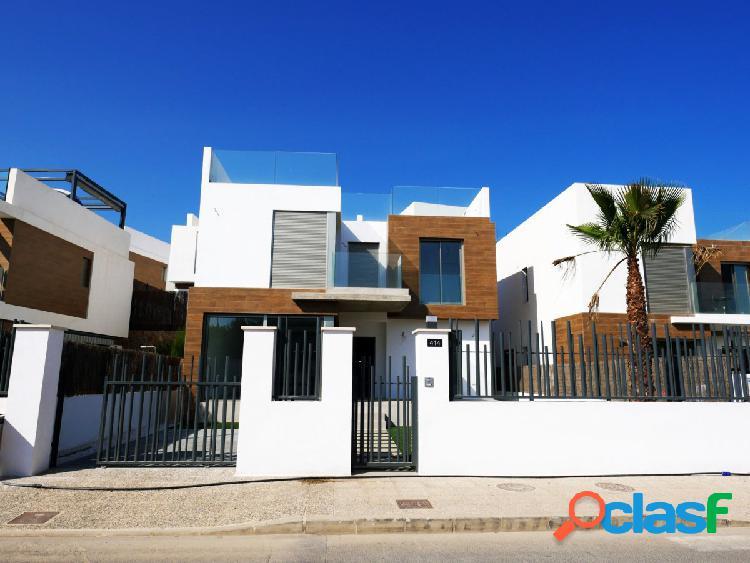 Villa enorme a estrenar en venta en Orihuela Costa. 5