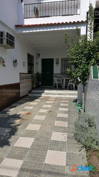 casa de 4 habitaciones y 2 baños en Av. Ciaurriz (Mairena